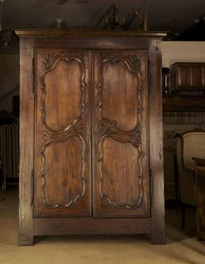 73-68 - Early 18th Century Chestnut Armoire