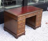 75-48 - 19th Century Oak Pedestal Desk
