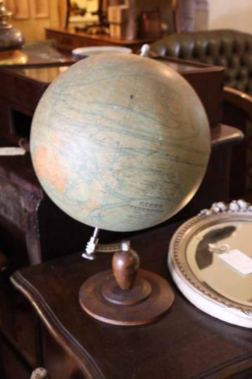 74-05 - Antique French Globe