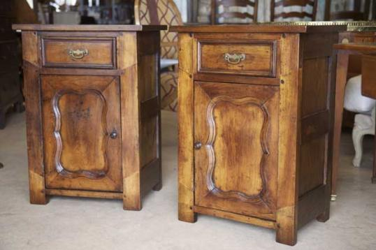 74-82 - 18thC Bedside Cabinets
