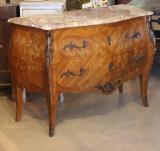 76-21 - Bombe Commode