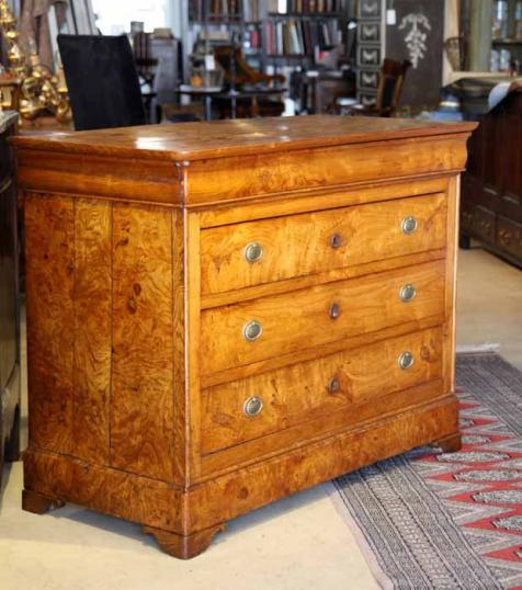 77-07 - French Elm Commode
