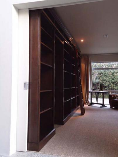 78-57 - Bookcase and Library Ladder
