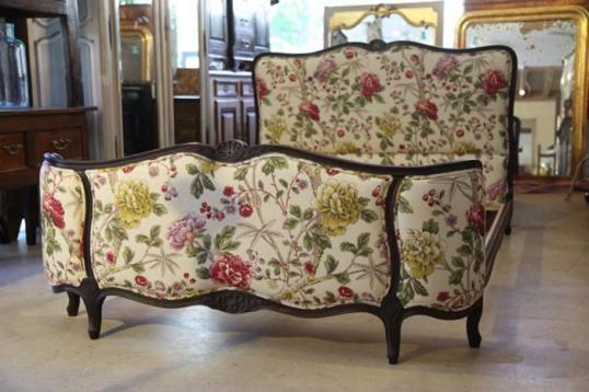 Queen Demi-Corbeille Bed