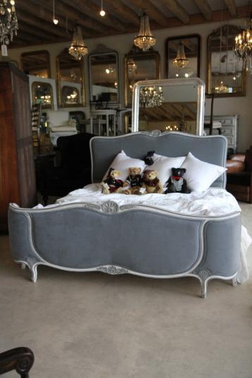Demi Corbeille French Beds