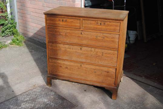 79-22 - Chest of Drawers