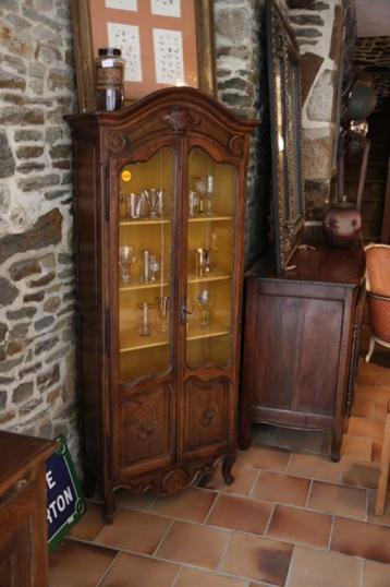 83-12 - French Louis XIV Crown Topped Cupboard