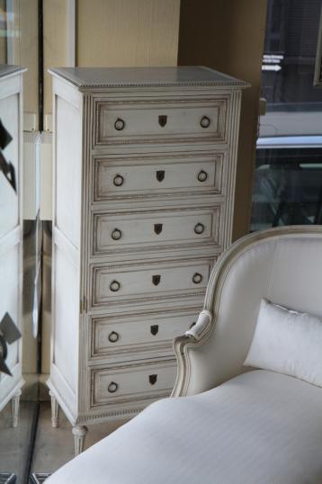 83-80 - French Painted Chest of Drawers