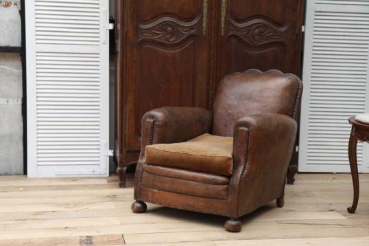 83-86 - A French Leather Club Chair