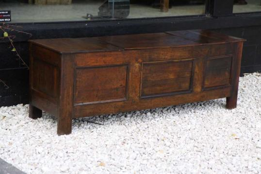 84-03 - French Three Panel Coffer