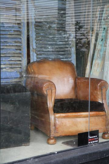 86-64 - Leather Club Chair