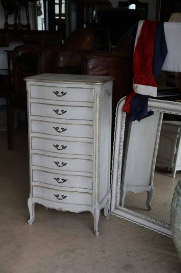 89-65 - Painted French Serpentine Commode/Semainier
