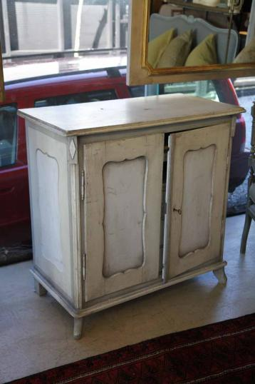 89-78 - Gustavian Painted Cabinet