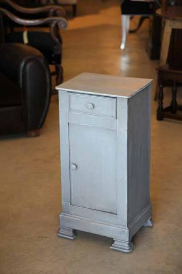 90-31 - Louis Philippe Painted Bedside Cabinet