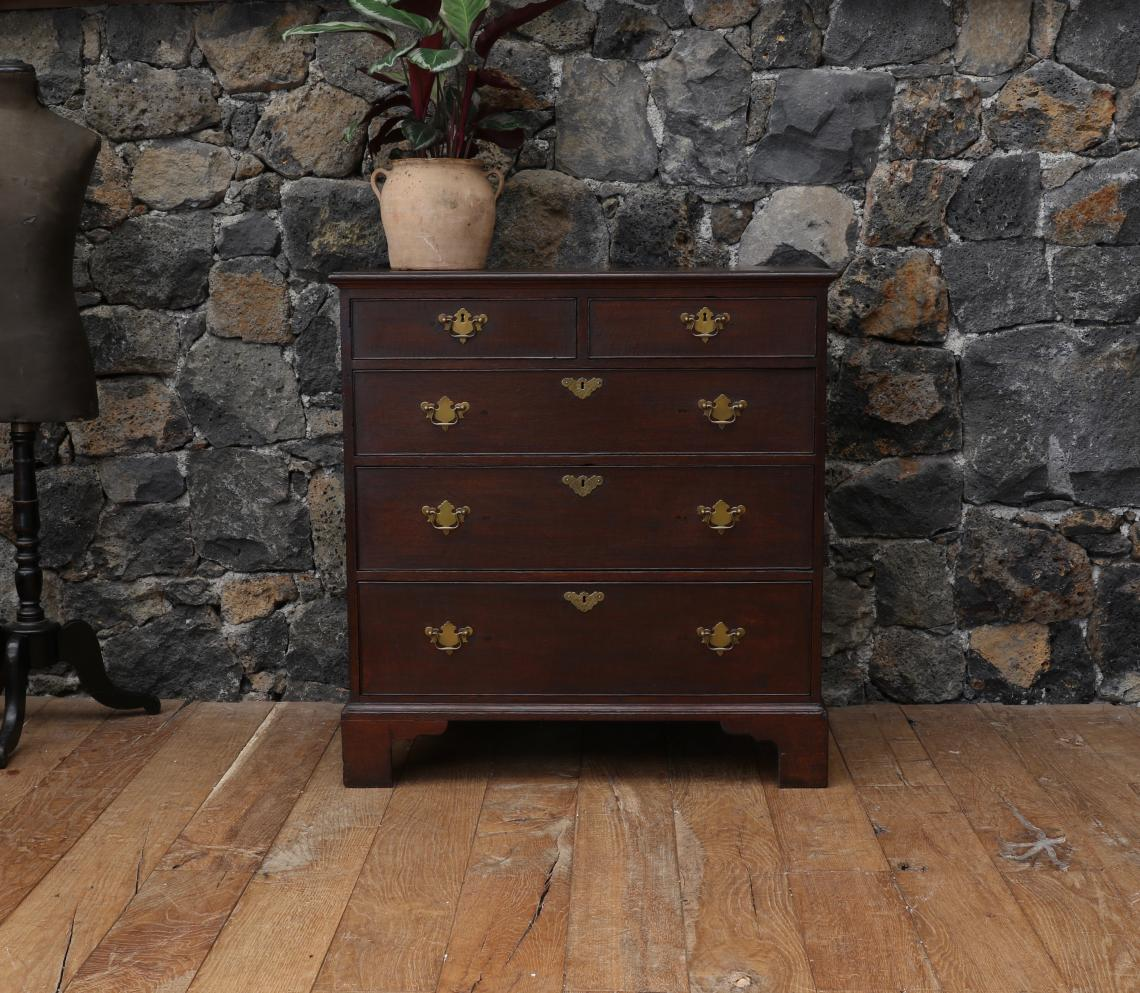 94-29 - Chest of Drawers