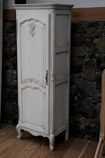 94-40 - French Bonnietiere or One Door Armoire
