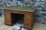 94-45 - English Pedestal Desk