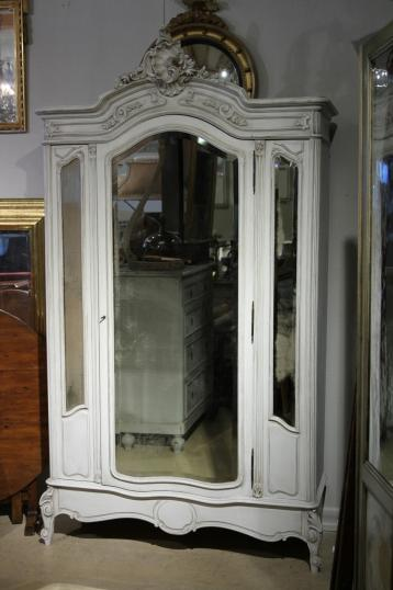 94-64 - French Armoire with side lights