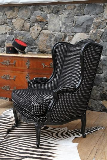 94-75 - Pair of Wing Chairs