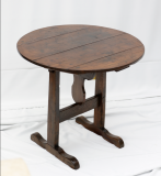 95-48 - Burgundian Wine Table