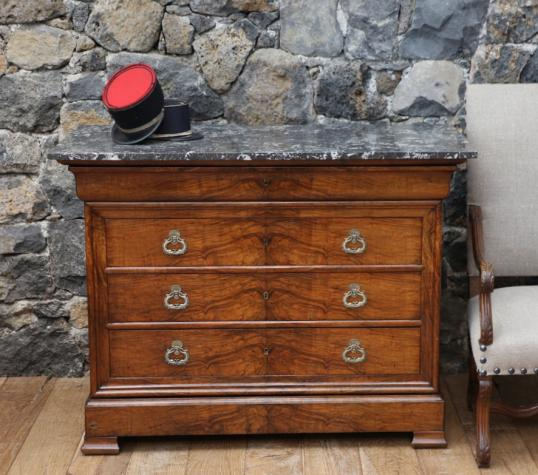 96-32 - Louis Philippe Bookmatched Walnut Commode