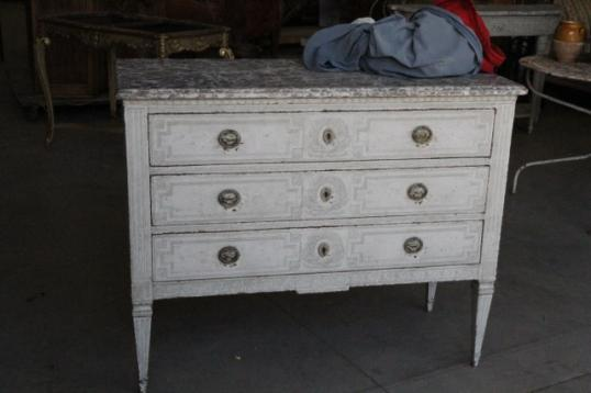 97-32 - Gustavian Chest of Drawers