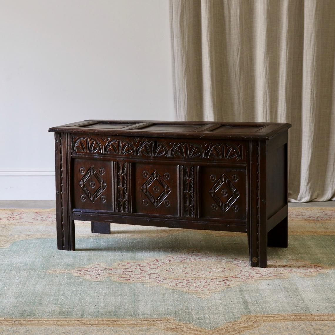 114-003 - English Oak Coffer