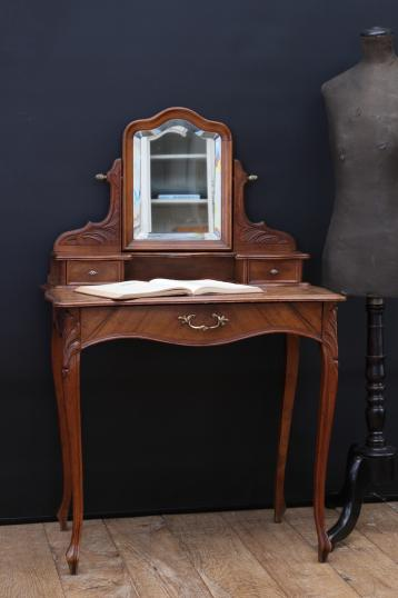 101-02 - Small French Dressing Table