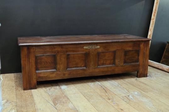 101-24 - Large French Coffer