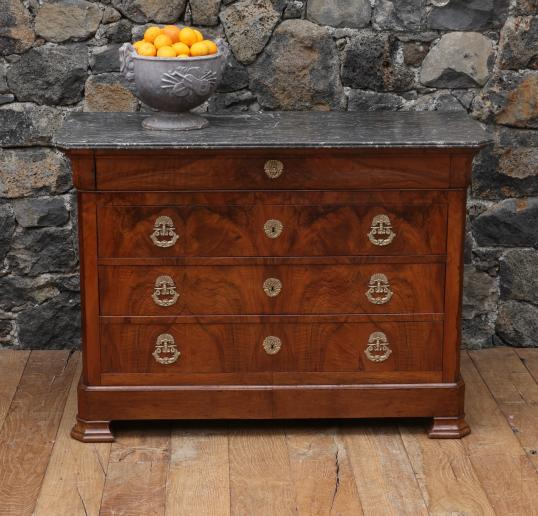101-70 - Louis Philippe Commode