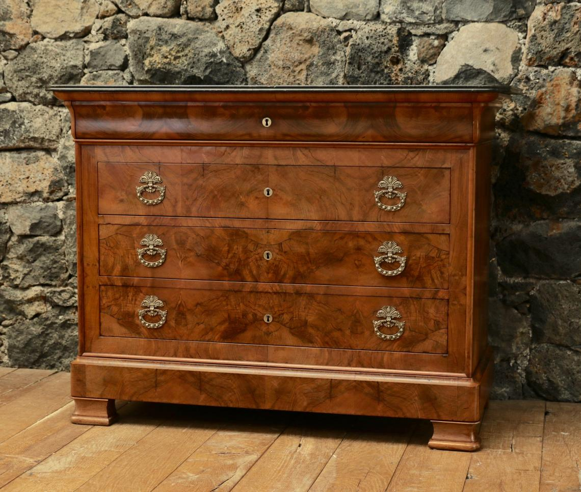 106-30 - Louis Philippe Commode