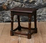 102-83 - English Jointed Stool