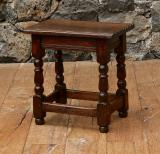 102-89 - English Jointed Stool