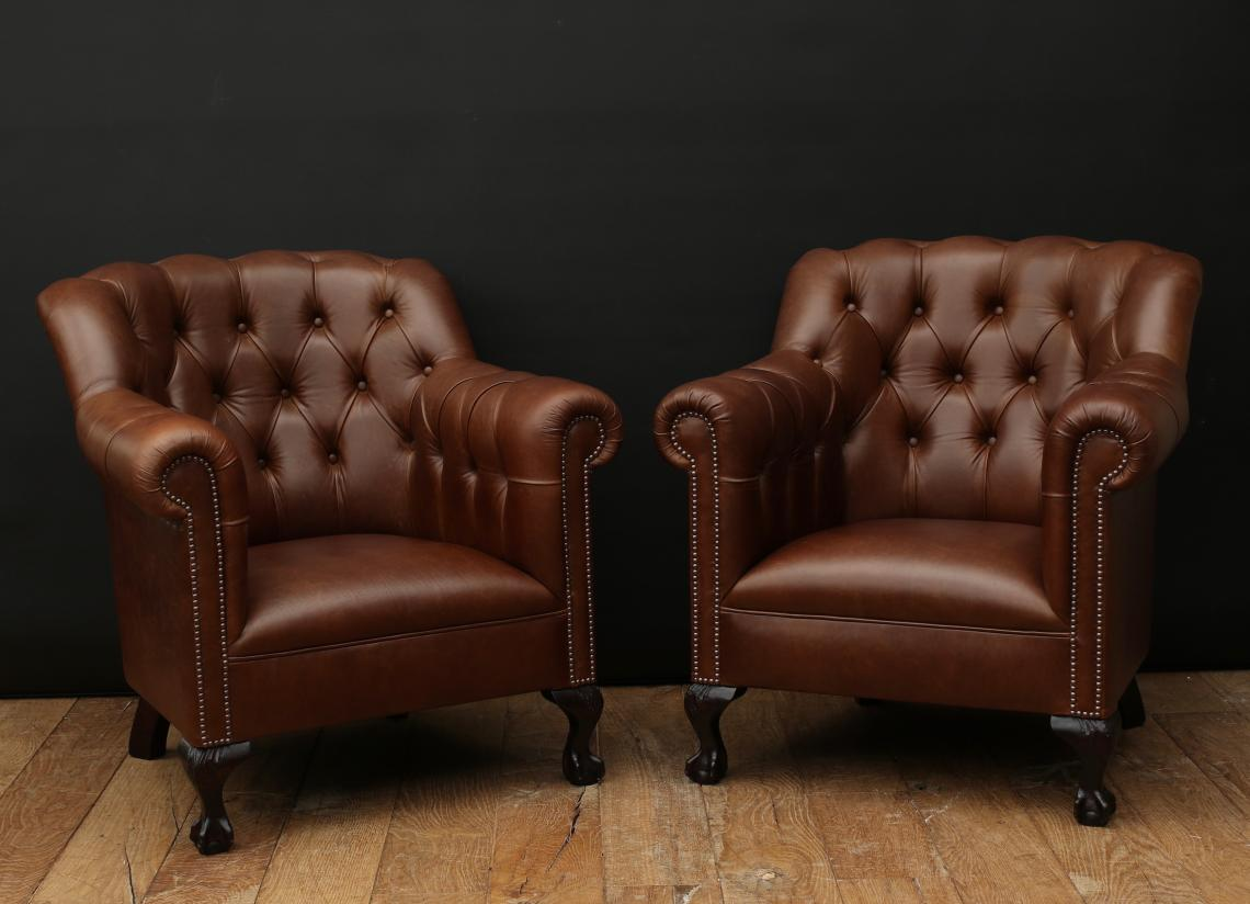 103-08 - Deep Buttoned Leather Armchairs