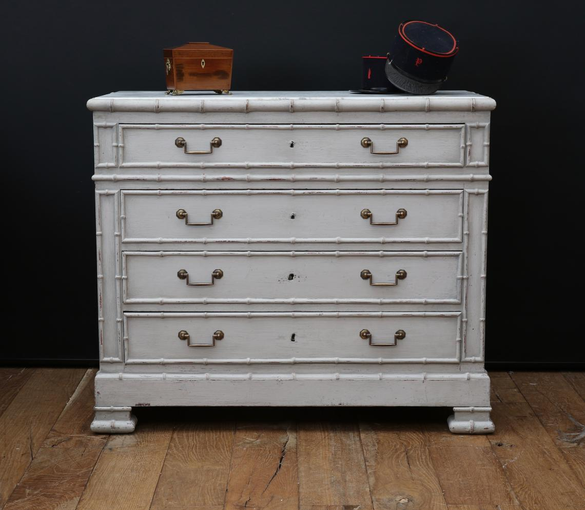103-90 - Louis Philippe Chest