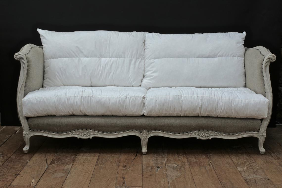 104-07 - 19th Century French Daybed Sofa