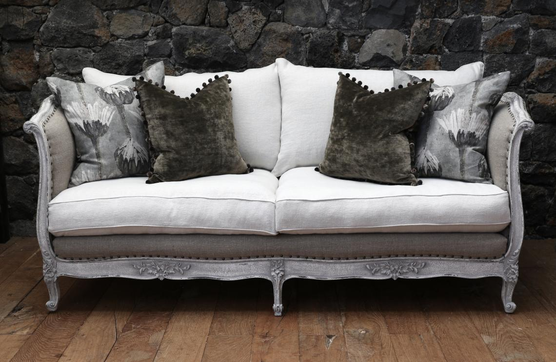 104-79 - French Daybed Sofa