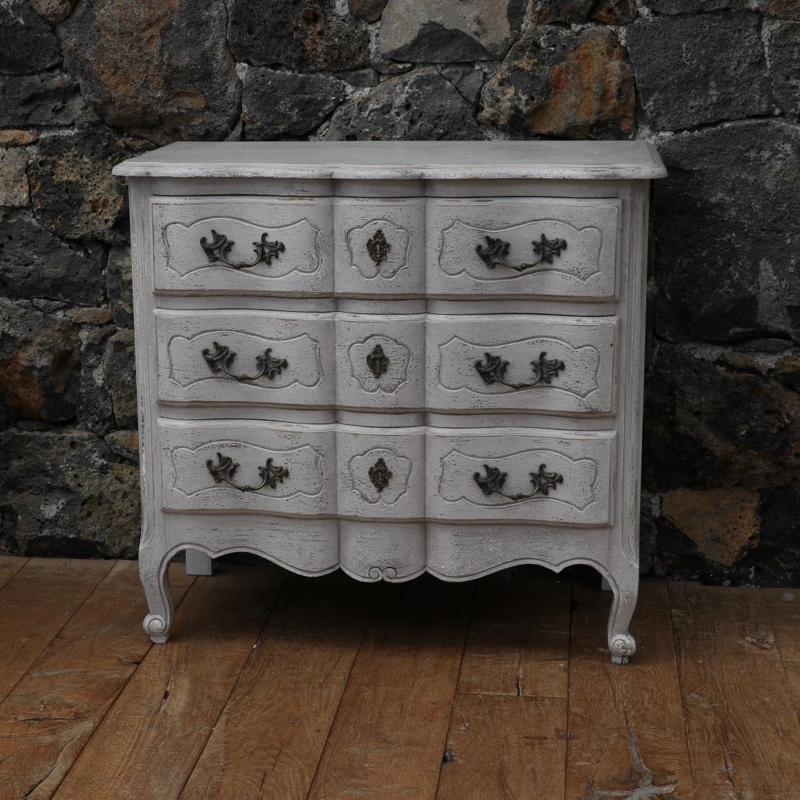 104-97 - Small French Arbalete Commode