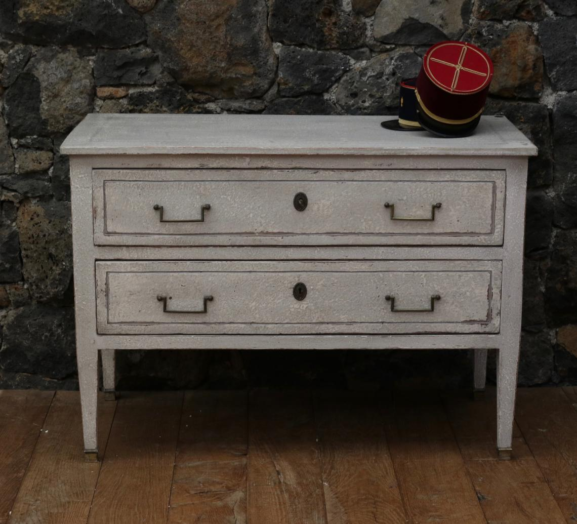106-47 - Large Gustavian Commode