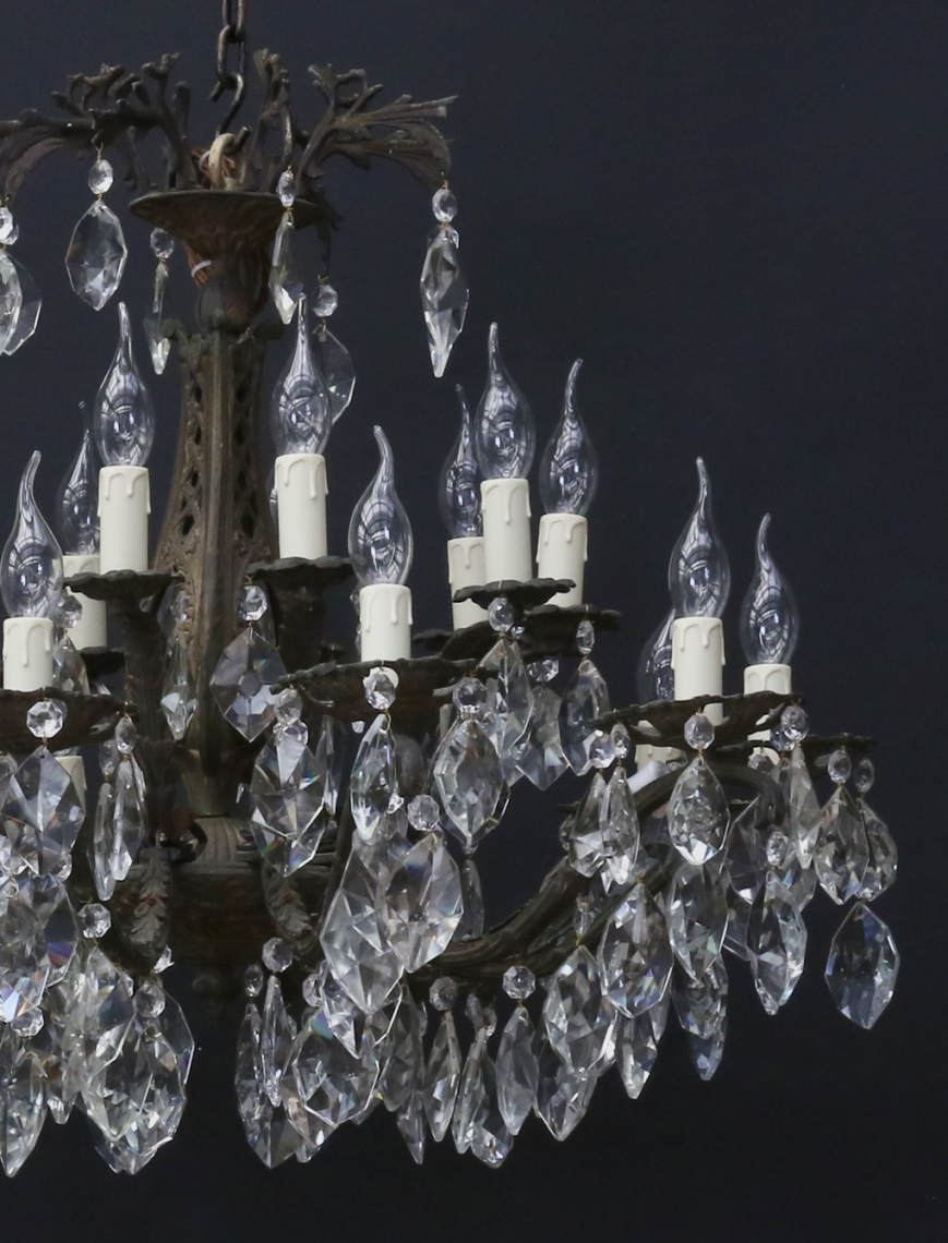 20 Light Chandelier