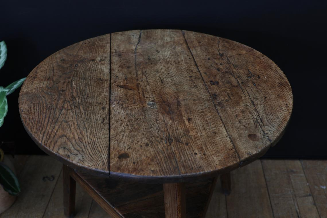 Very Nice English Cricket Table