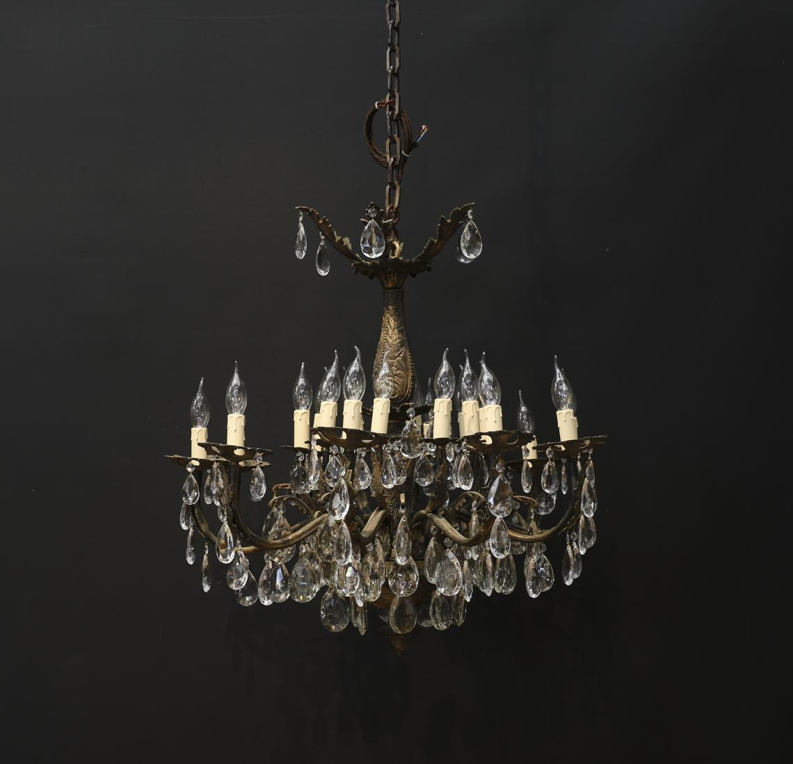 A European Chandelier with 20 lights