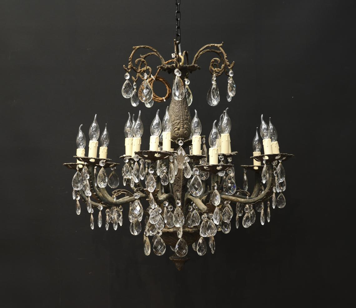 109-93 - 20 Light Chandelier