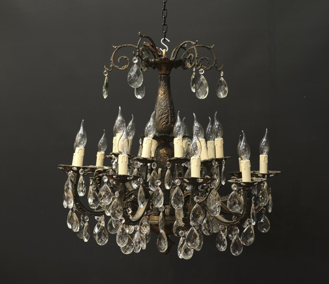 109-95 - 20 Light Chandelier