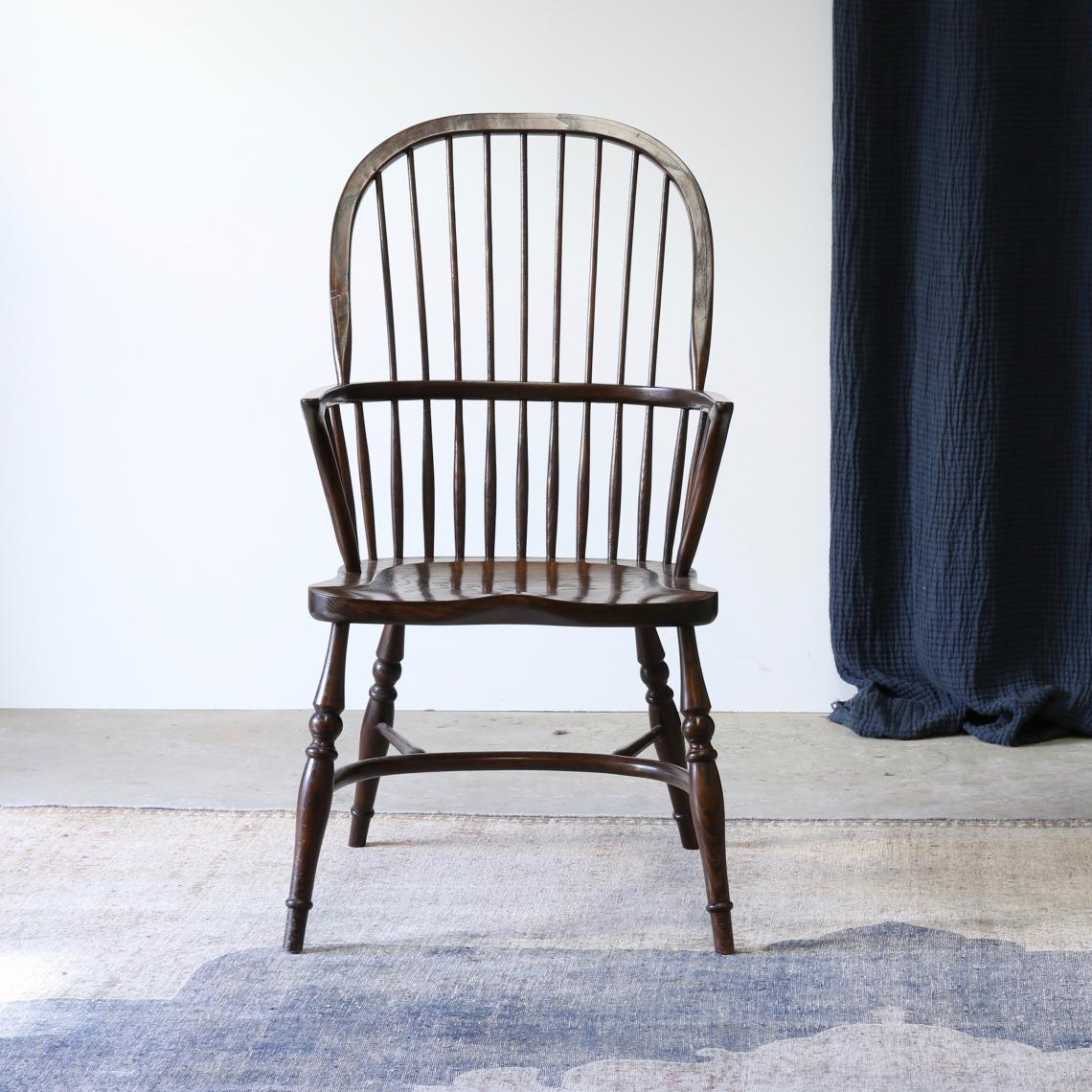 112-17 - Windsor Carver Chair