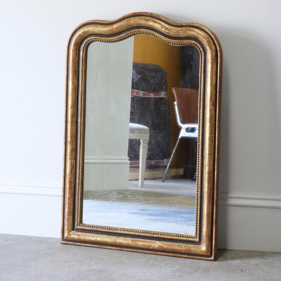 112-84 - Gendarme Topped Mirror