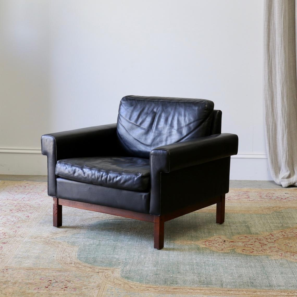 113-96 - Mid-Century Leather Armchair