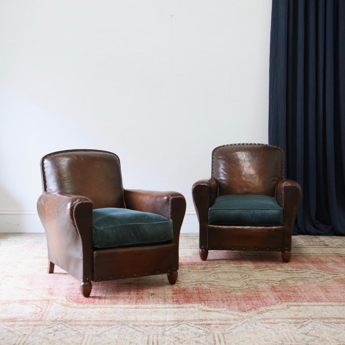 115-69 - Leather Club Chairs