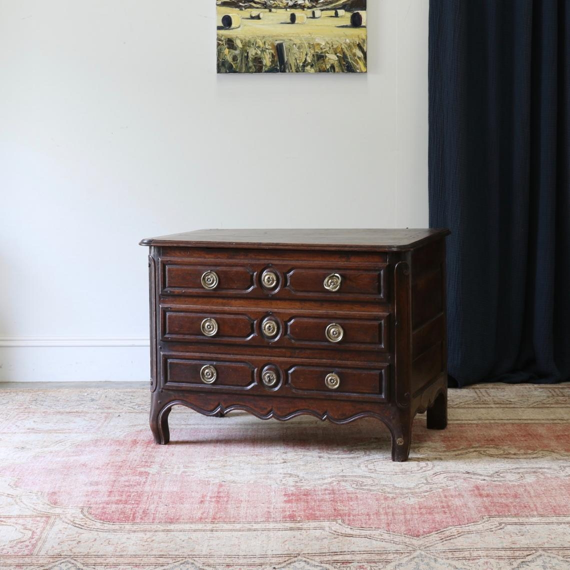 116-76 - Chest of Drawers /Coffer