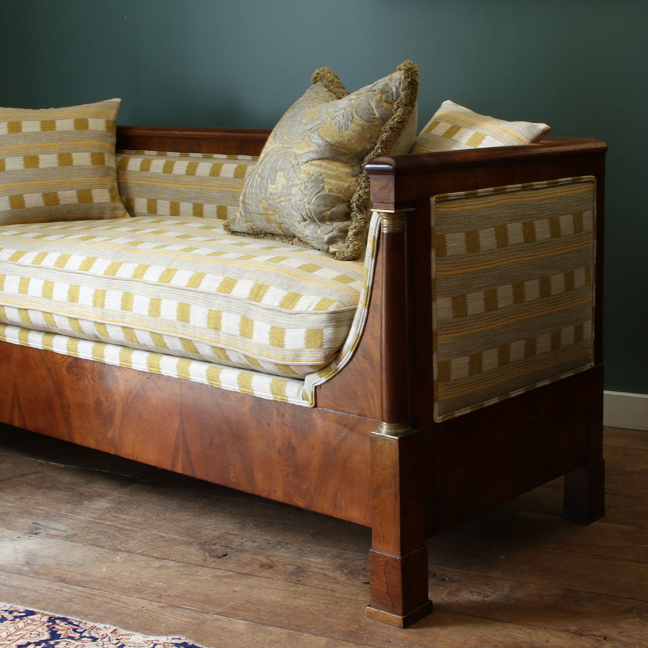 Empire Daybed